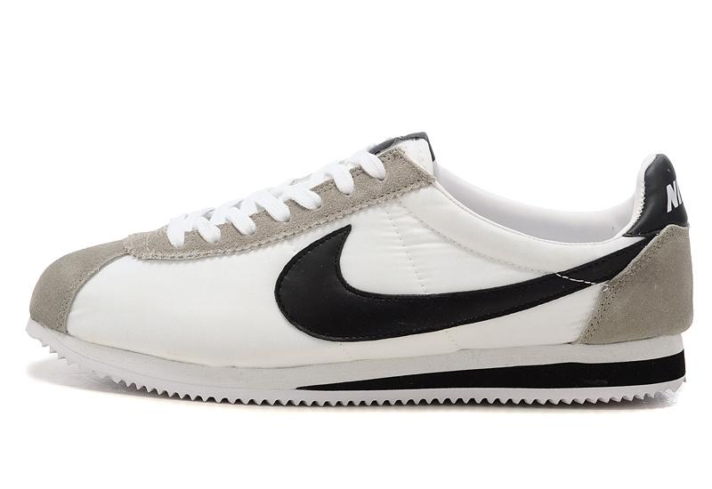 competitive price 4097c 9d91e Un Un Un rétro pour le chaussure nike tissu Rose 3b631c